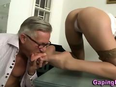 large gazoo hottie sucks cock