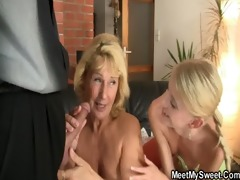 she is toying her bfs mother cunt and sucks dads
