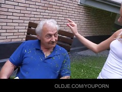 oldman receives blowing apology from teasing teeny