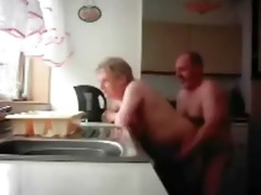 lol. mum and dad caught having pleasure in the