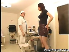 hawt brunette hair clinic tit play